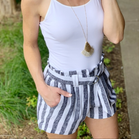 Infinity Raine Pants - Black and white striped linen shorts